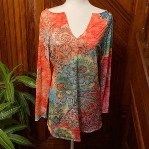 Cute thin long sleeve artsy floral top